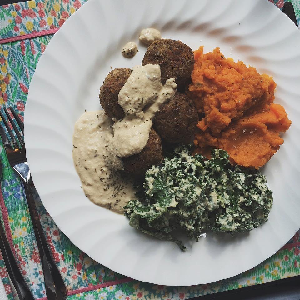 Lentil Mushroom Meatballs with Tofu Gravy | Vegan Girlfriend